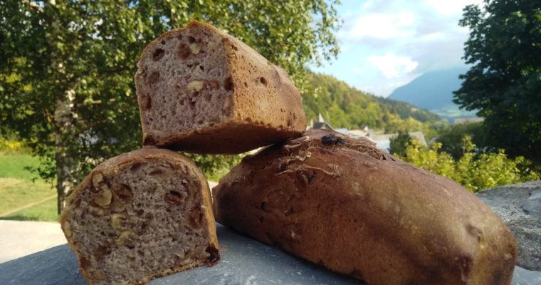 Nouveau pain noix-raisin