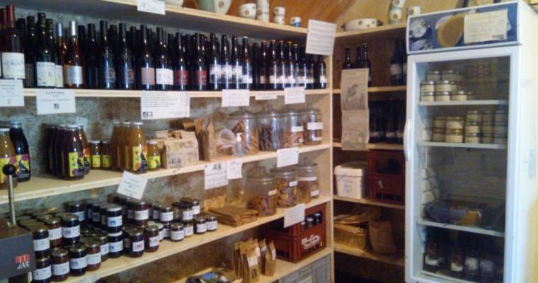 Cet été, le magasin de la ferme ouvre ses portes de 16h30 à 19h30 et propose un bar à la ferme tous les vendredis !